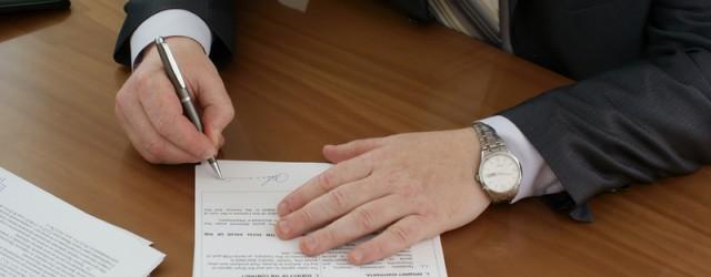 Een hypotheekakte is de akte waar alle belangrijke zaken over een hypotheek staan beschreven. Deze akte wordt opgesteld door de notaris.